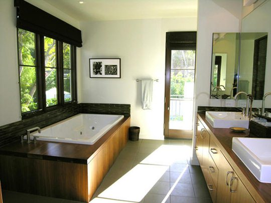 DP_Hammerschmidt-contemporary-bathroom-tub-vanity_s4x3_lg.jpg
